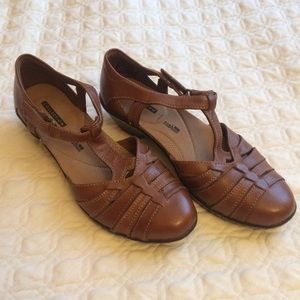 85a6b39be30 Clarks Shoes - New Clarks Wendy Alto Adjustable T-Strap Sandals
